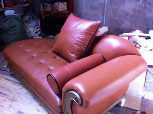 Sofa da cổ điển màu nâu