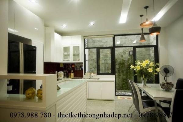 Phòng bếp nhà phố 60m2