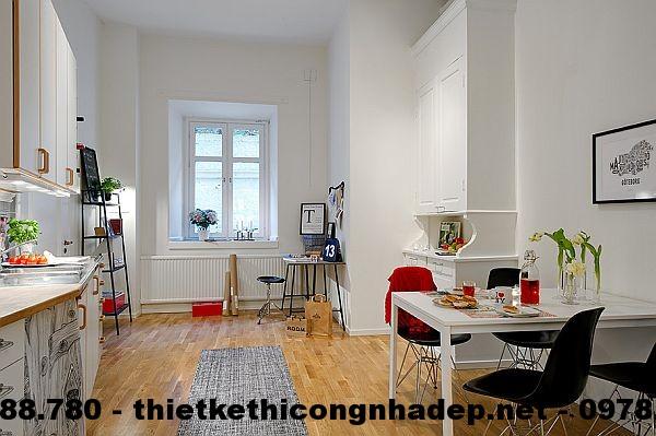 Phòng bếp có sự kết hợp của rất nhiều màu sắc, tạo nên một không gian rất sinh động