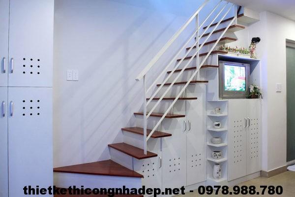 Cầu thang phòng khách NDSCN1