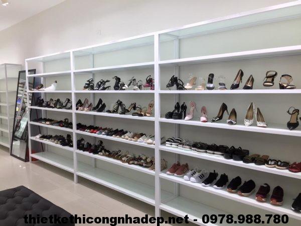 Mẫu cửa hàng giày dép NDTKS6