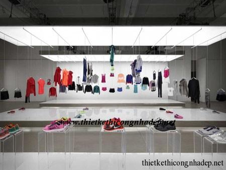 showroom giày dép và quần áo tổng hợp