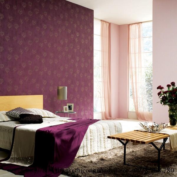Phòng bố mẹ nên chọn màu tím nhẹ để giúp cho giấc ngủ của bố mẹ được ngon hơn.